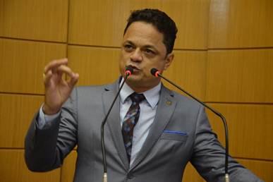 Resultado de imagem para CAPITÃO DEPUTADO SAMUEL