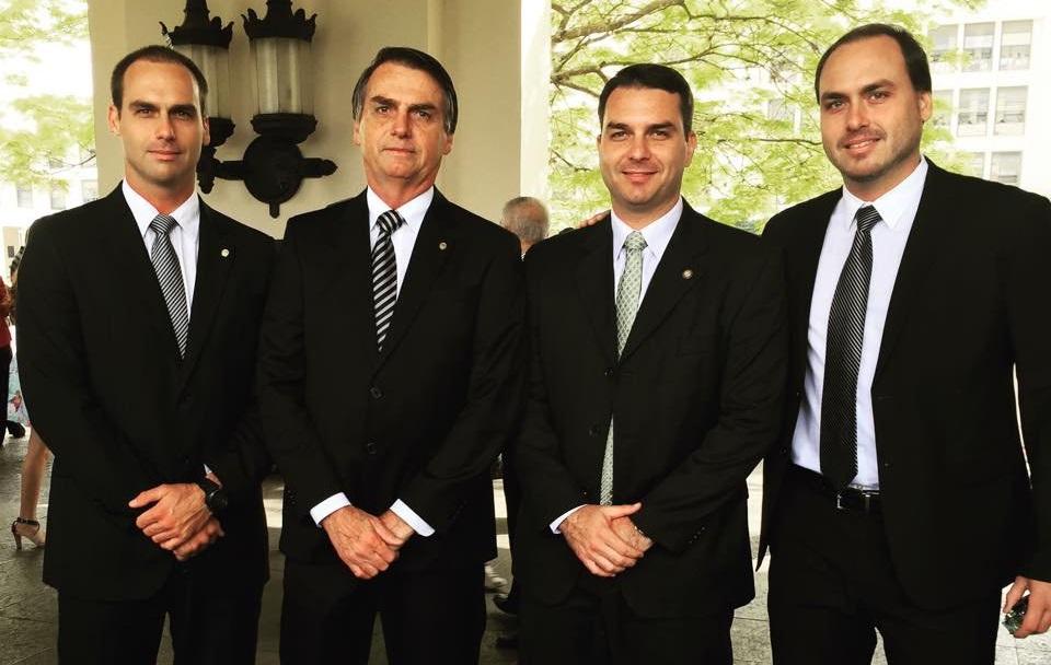 FILHOS DOS PRESIDENTES GENERAIS  E OS TRÊS DO PRESIDENTE CAPITÃO
